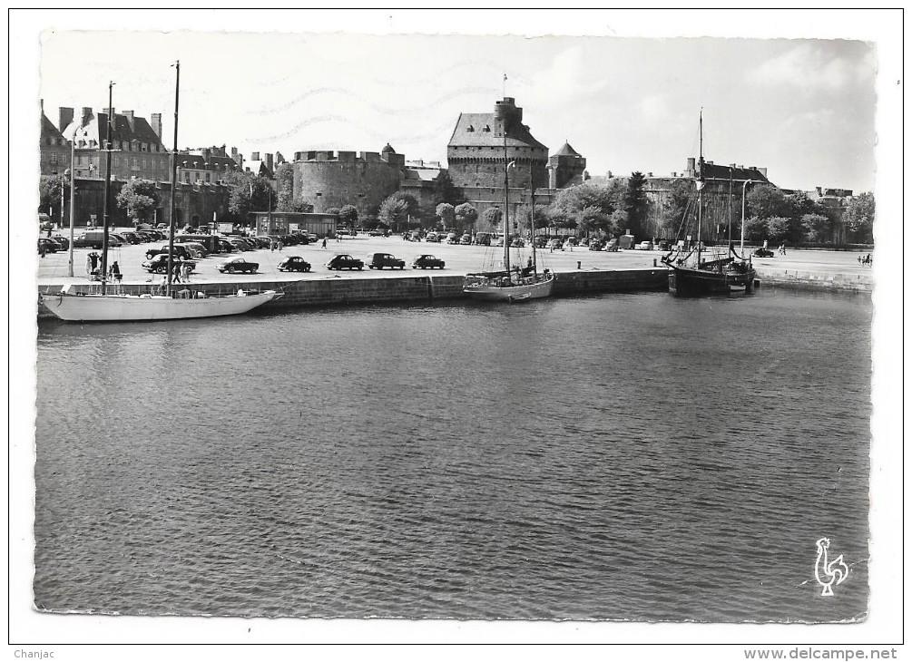 Cpsm: 35 SAINT MALO - Château Et Esplanade Saint Vincent (Yachts, Voitures) 1957  N° 74 - Saint Malo