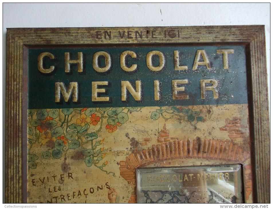 """- Ancienne Plaque En Tôle """" CHOCOLAT MENIER """" - Firmin Bouisset - - Levensmiddelen"""