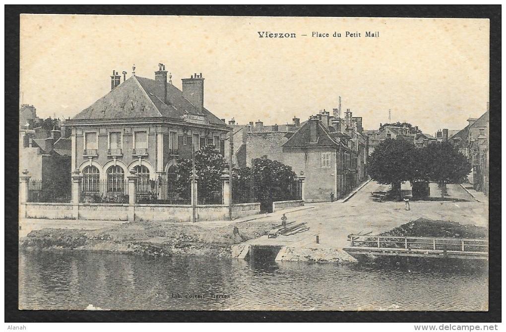 VIERZON Quai Place Du Petit Mail (Poivert) Cher (18) - Vierzon