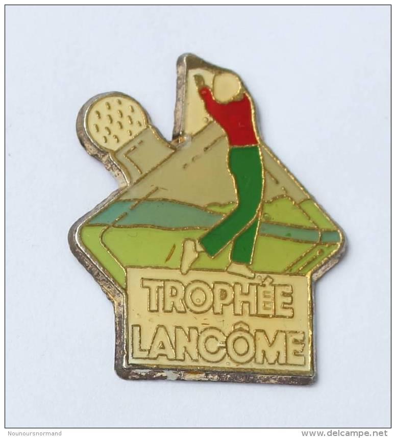 Pin's TROPHEE LANCÔME - Le Joueur De Golf En Plein Swing - F582 - Golf
