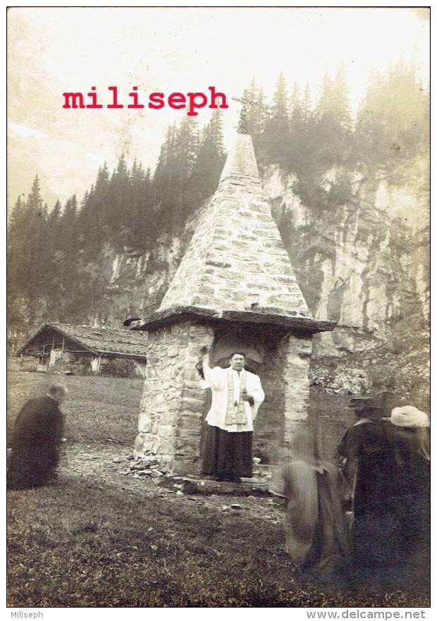 C.P. Animée - CHAMPERY - Plateau De Barmaz - Oratoire Du Champ De Barmaz - Barme - Curé, Prêtre ...bénédiction -  (4263) - VS Valais