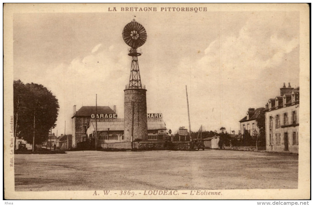 EOLIENNES - LOUDEAC - Châteaux D'eau & éoliennes