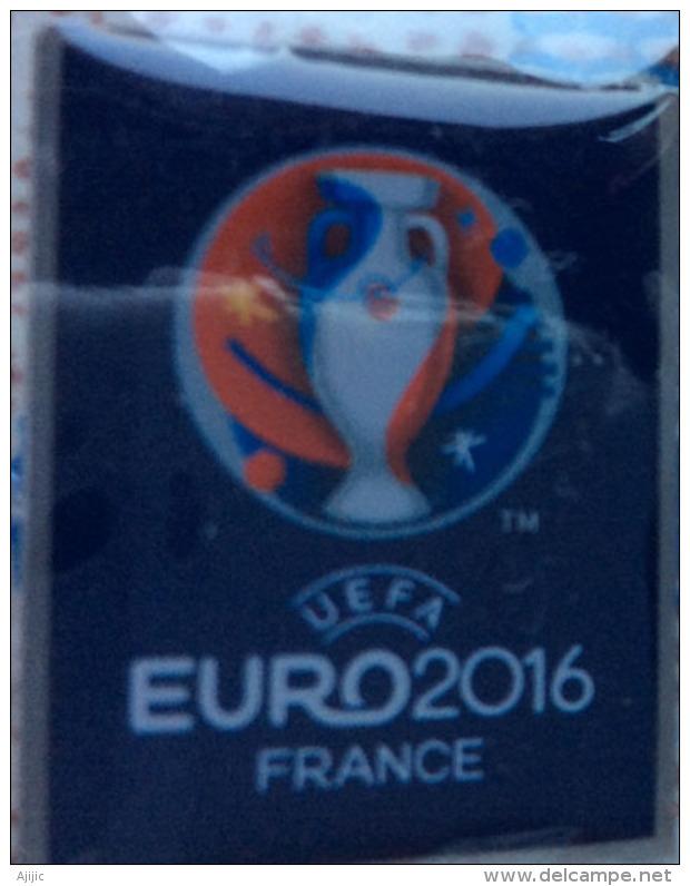 UEFA EURO FOOTBALL 2016 FRANCE.  Pin Officiel Neuf Dans Son Emballage - Football