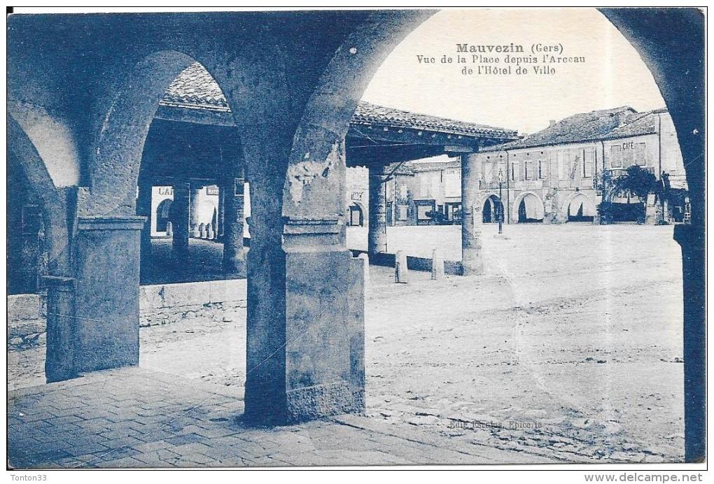 MAUVEZIN - 32 -  Vue De La Place Depuis L'Arceau De L'Hotel De Ville - RARE - ENCH0616 - - France