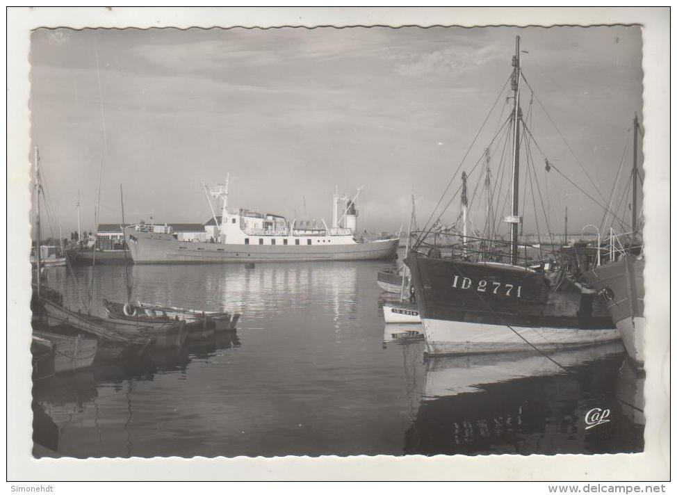"""ILE D´YEU -Port Joinville - Le """" Président Auguste Durand """" à Quai- CPSM - Ile D'Yeu"""