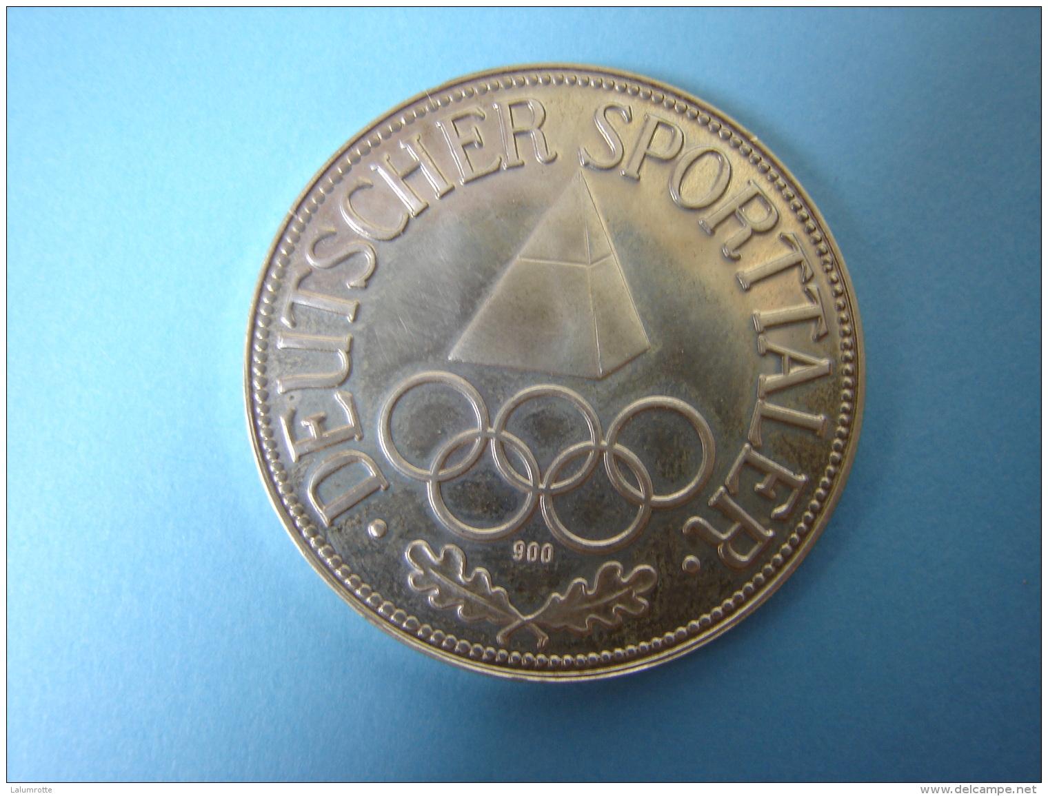 PA. Mo. 71. Jugend Der Welt IM Sport Vereint . Deutscher Sportaler. Argent 900 - Allemagne