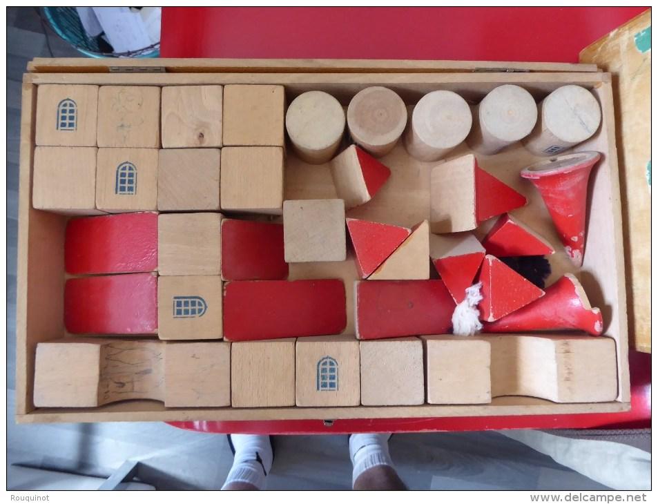JEU DE CONSTRUCTION EN BOIS - CASTELBOX - LE JEUD ARTIS - - Unclassified