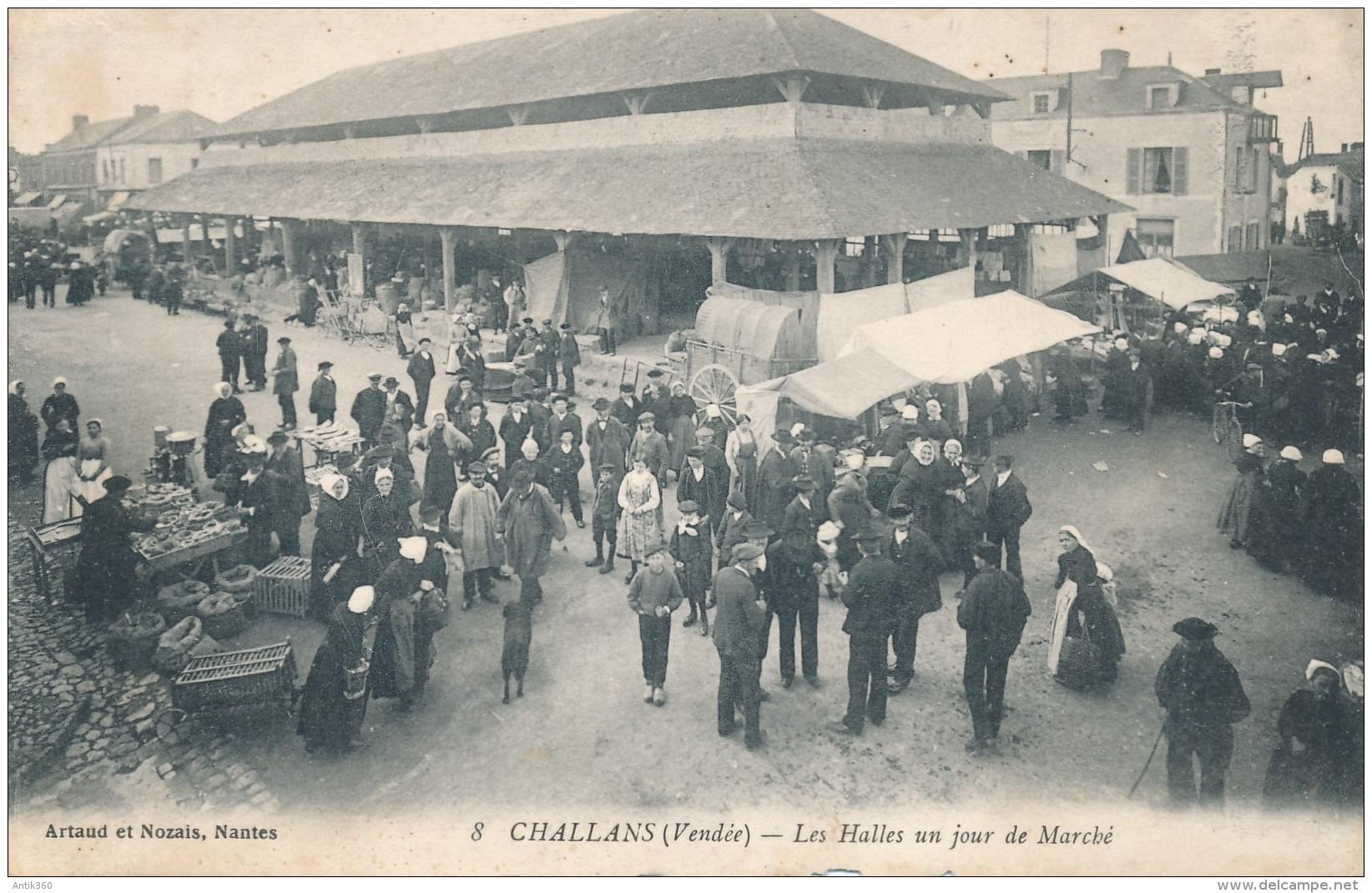 CPA 85 CHALLANS Les Halles Un Jour De Marché, Belle Animation - Challans