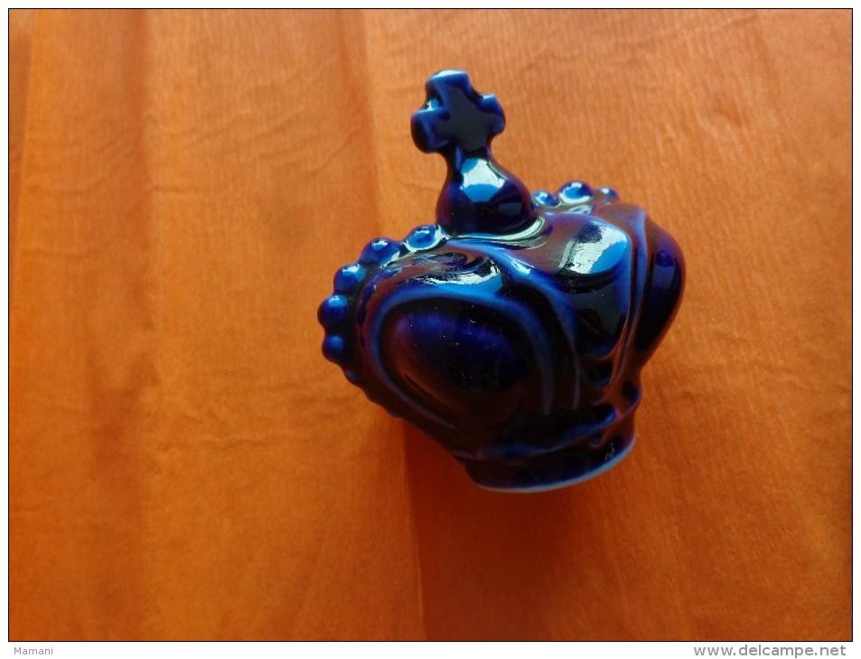 Bouteille  A  ?????  Bouchon MATCHABELLI - Autres Collections
