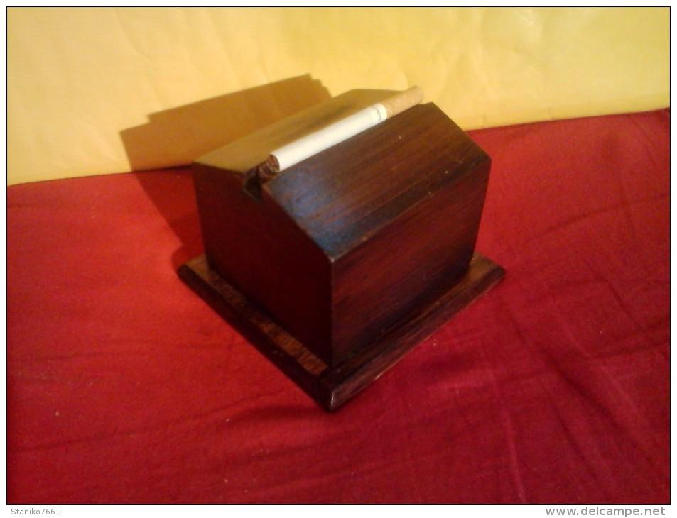 bo tes coffrets vintage ancien distributeur a. Black Bedroom Furniture Sets. Home Design Ideas
