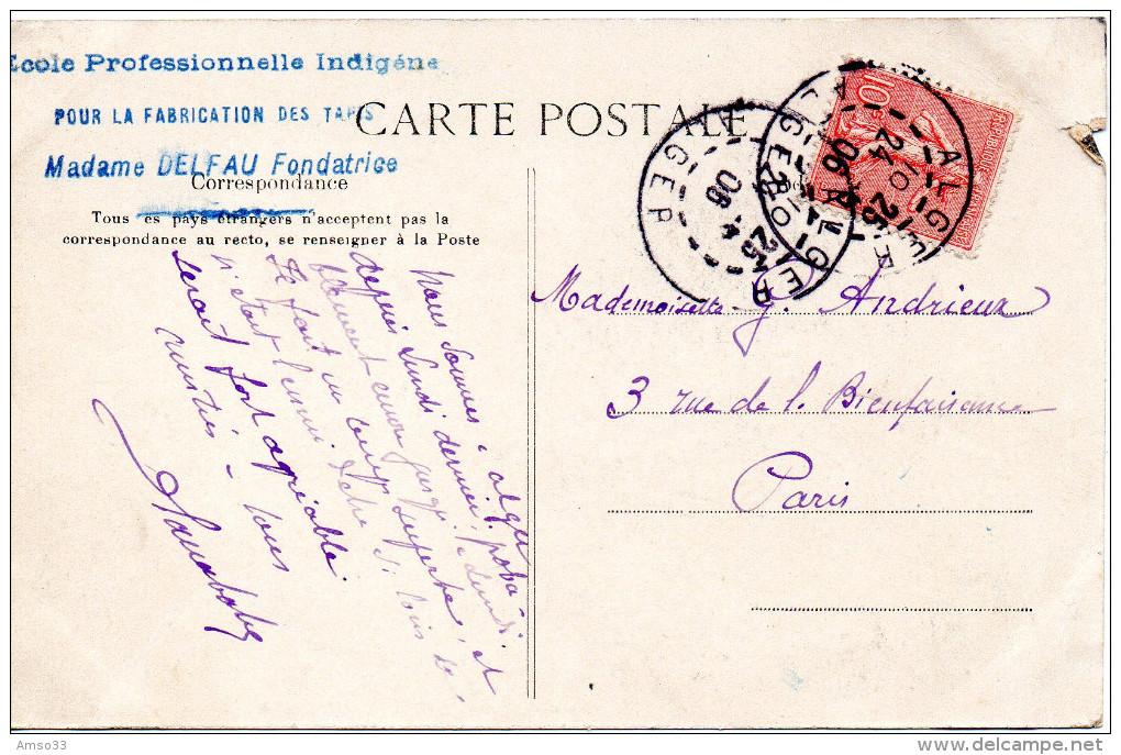 6936. CPA ALGERIE. ECOLE DE TAPIS ARABES. CACHET ECOLE PROFESSIONNELLE INDIGENE..MME DELFAU FONDATRICE - Enfants