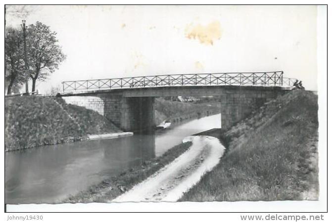 BRAZEY-EN-PLAINE - LE CANAL - France