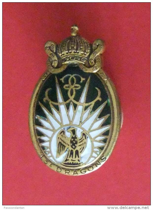 Insigne En Métal Du 13e Régiment De Dragons Parachutistes - Army