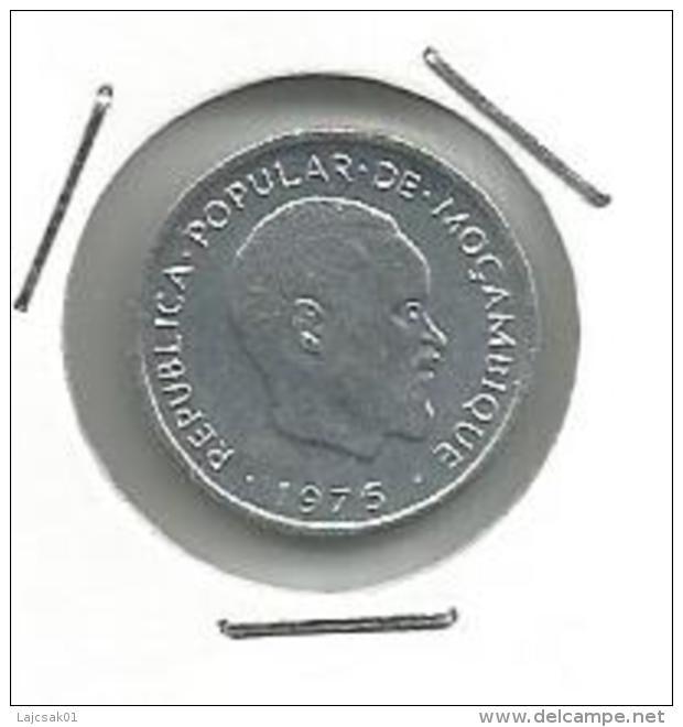 D10 Mozambique 1 Centimo 1975. KM#90 - Mozambique