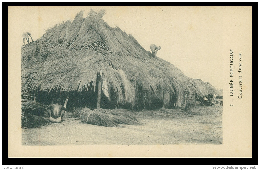 GUINÉ-BISSAU - Coverture Dune Case ( Nº 7)  Carte PostalE - Guinea-Bissau