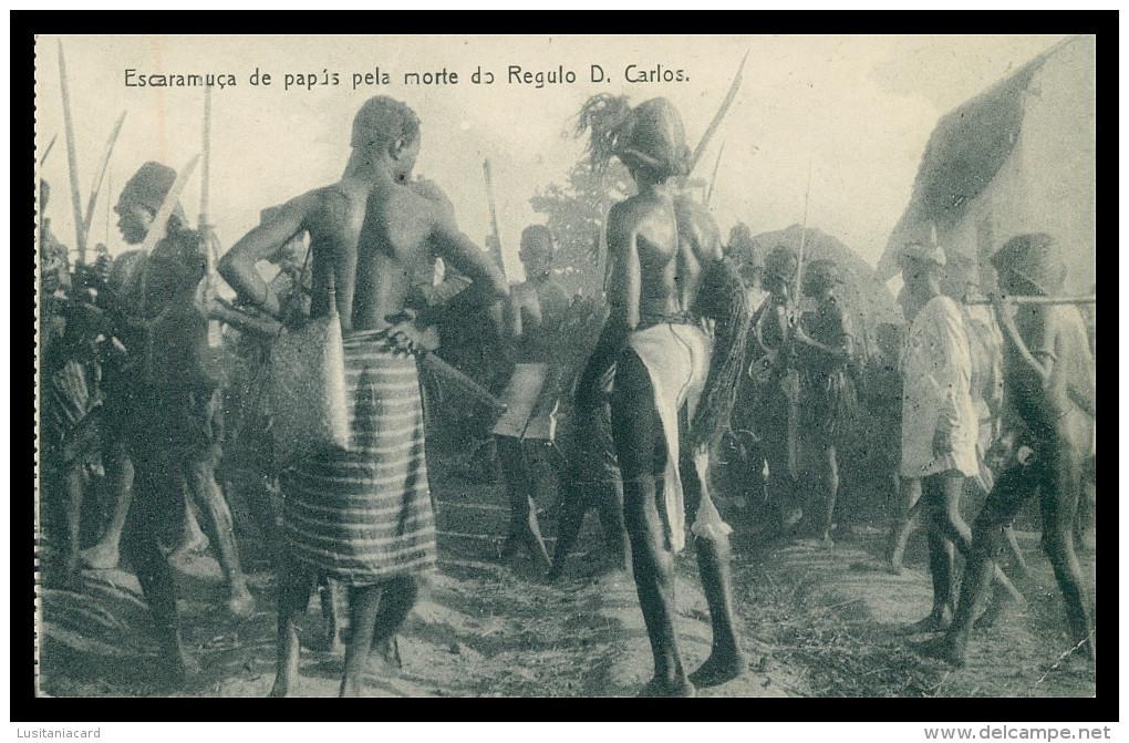 GUINÉ-BISSAU - COSTUMES - Escaramuça De Papús Pela Morte De Regulo D. Carlos Carte Postale - Guinea-Bissau
