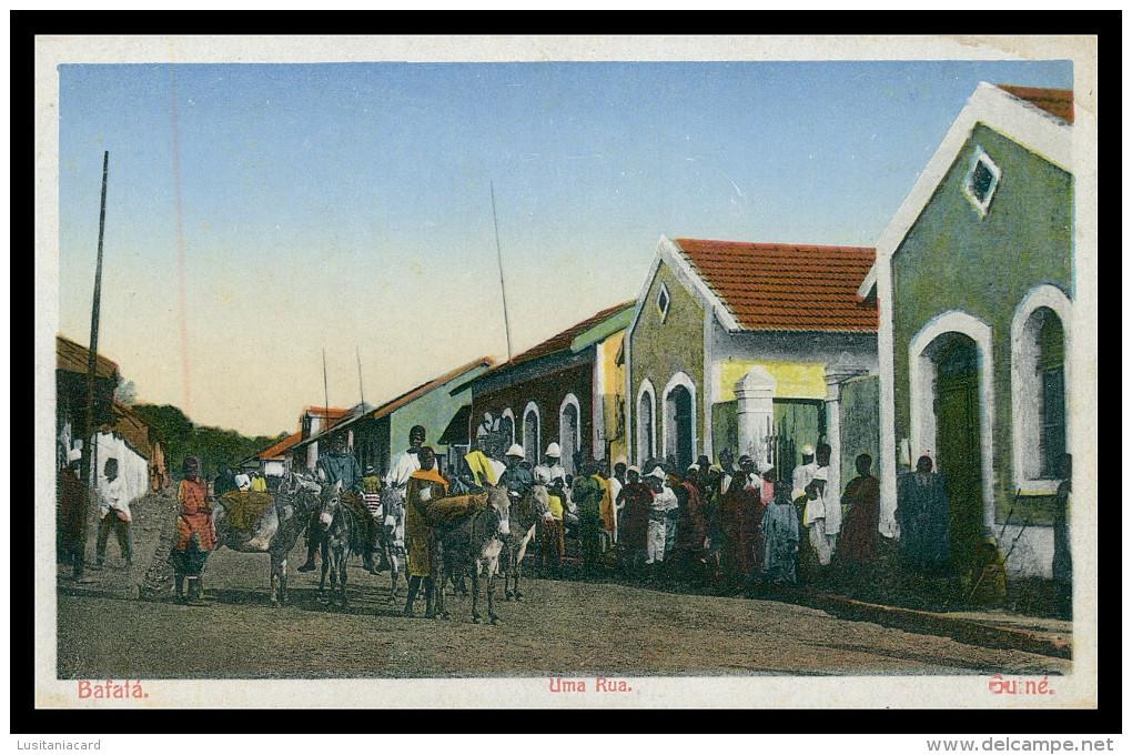 BAFATÁ - Uma Rua.  Carte Postale - Guinea-Bissau