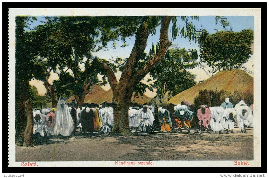 BAFATÁ - Mandingas Rezando.   Carte Postale - Guinea-Bissau