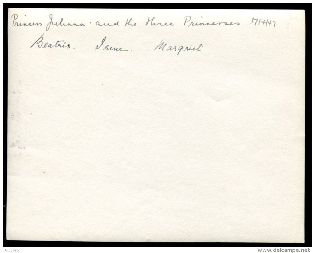 ANTIQUE PHOTO QUEEN JULIANA HOLLAND & PRINCESSES BEATIX IRENE MARGARET 1947 - Other Collections