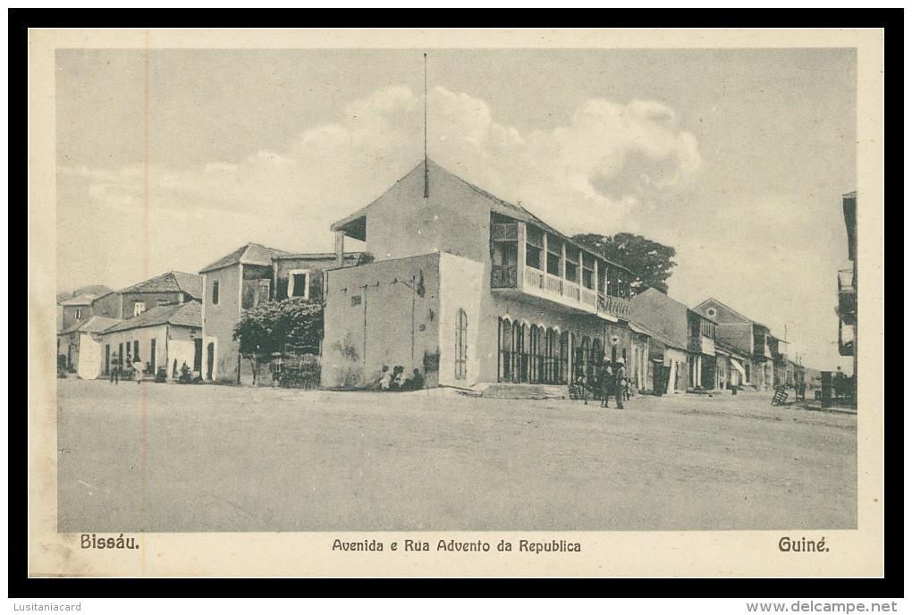 BISSAU -Avenida E Rua Advento Da Republica  Carte Postale - Guinea-Bissau