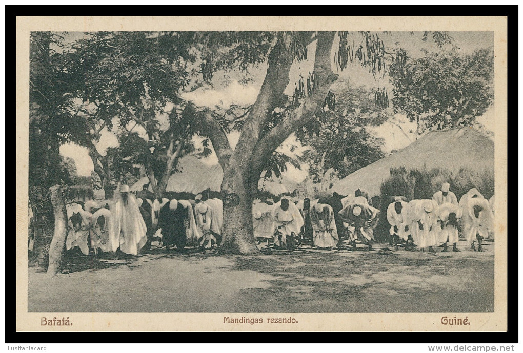 BAFATÁ - Mandingas Rezando  Carte Postale - Guinea-Bissau