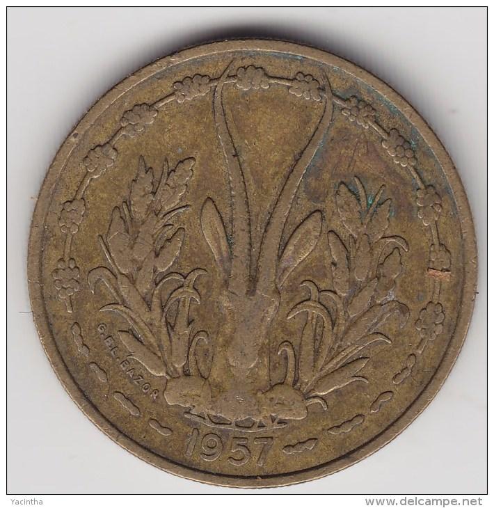 @Y@    Frans Afrika  Togo  25    Francs 1957      (3140) - Togo