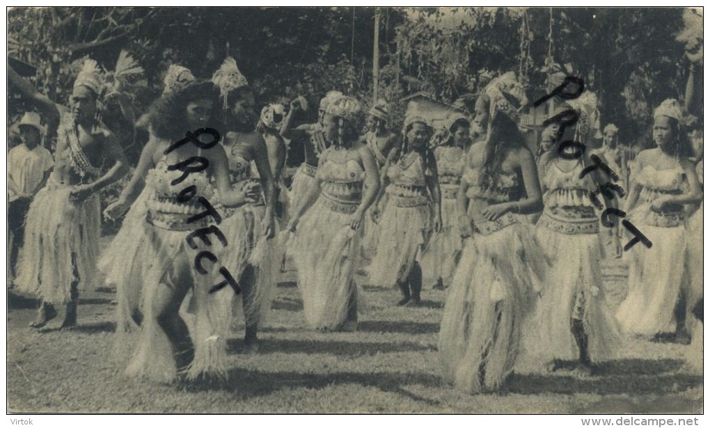 Tahiti  :  Dans Le Village De Bougainville : Reclame Médicin Alcasédine : Format 18 X 10.5 Cm :1955 - 2 Scans - Non Classés