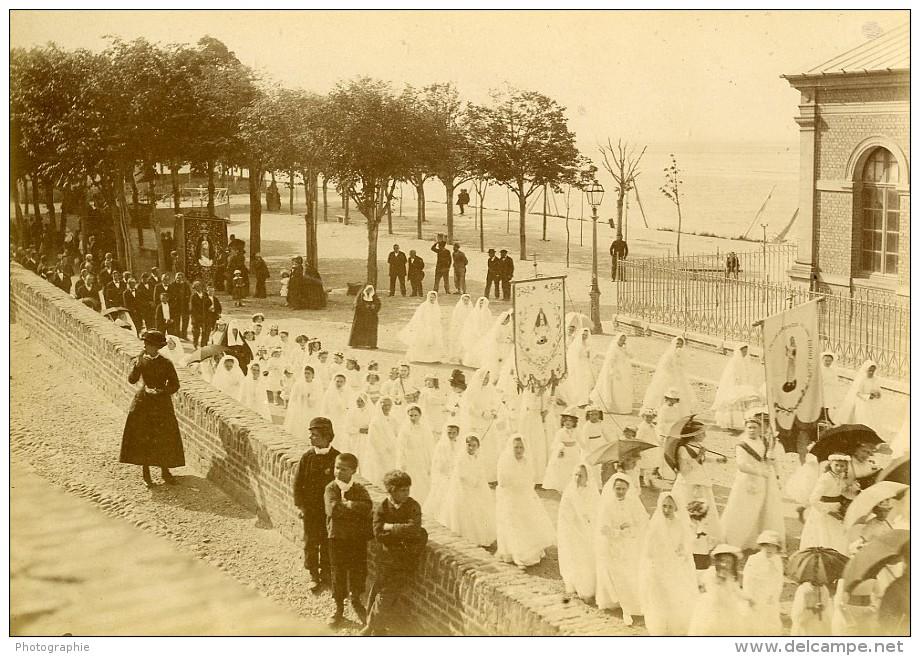 France Baie De Somme Saint Valery Sur Somme Procession Religieuse Ancienne Photo 1885 - Photographs