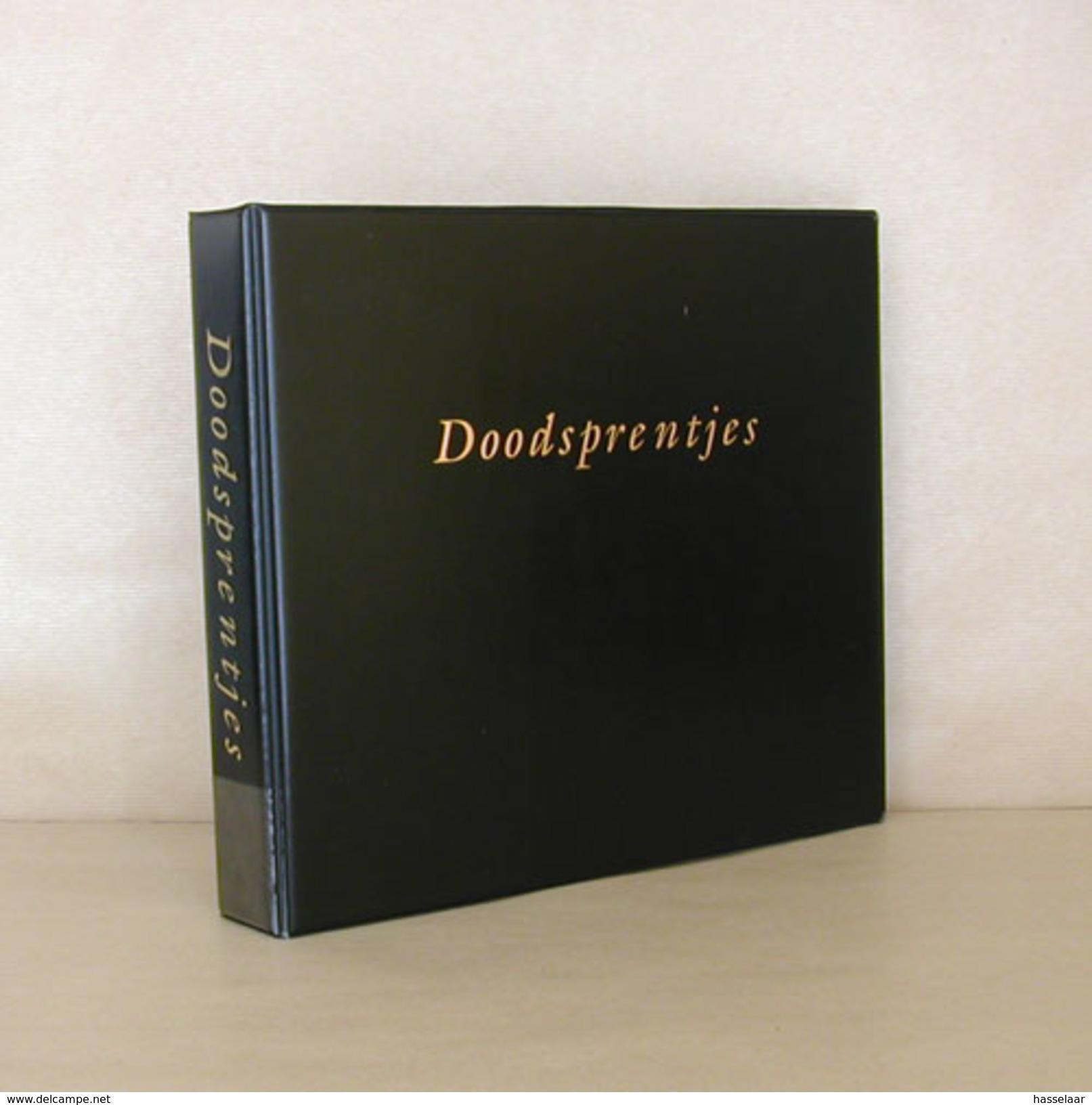 Verzamelmap Met Opdruk Doodsprentjes En 35 Inlegbladen - Godsdienst & Esoterisme