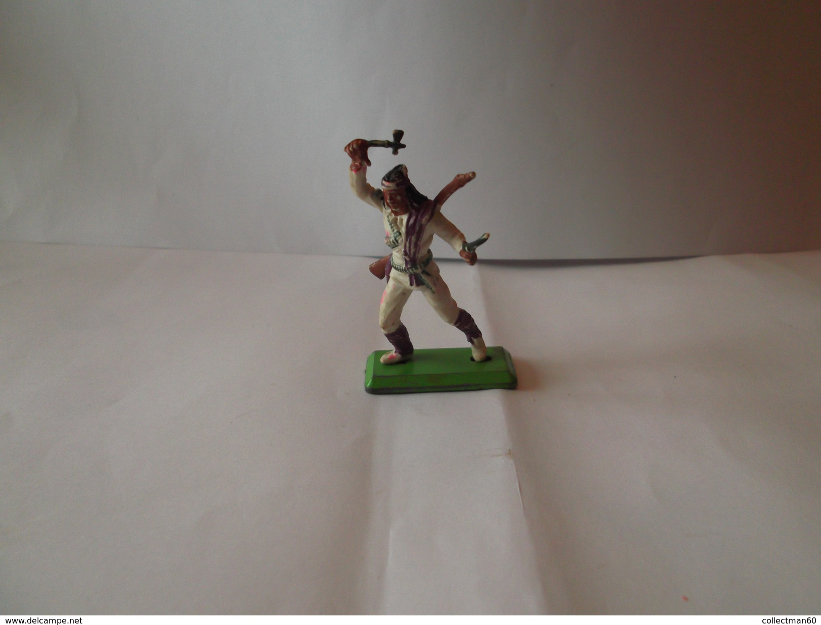 1   INDIEN  A LA HACHE   Britains        1971 - Figurines