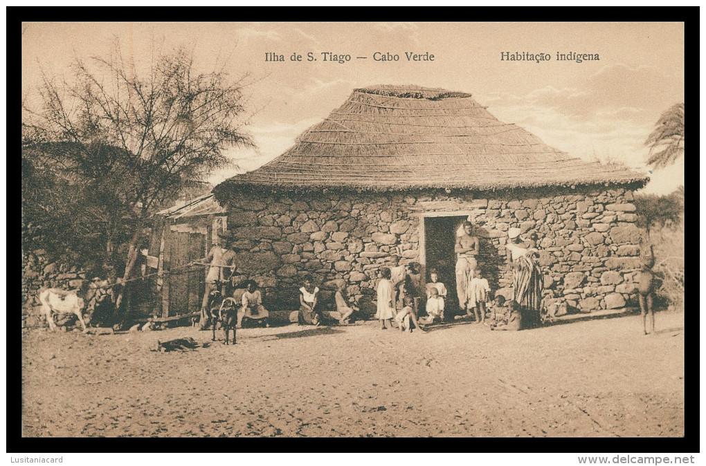 SANTIAGO - Habitação Indígena ( Ed. Exc. Levy & Irmão Nº 15)  Carte Postale - Cap Vert