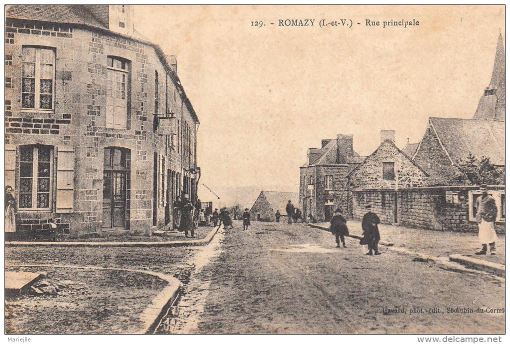35 ROMAZY Rue Principale Animée CPA - France