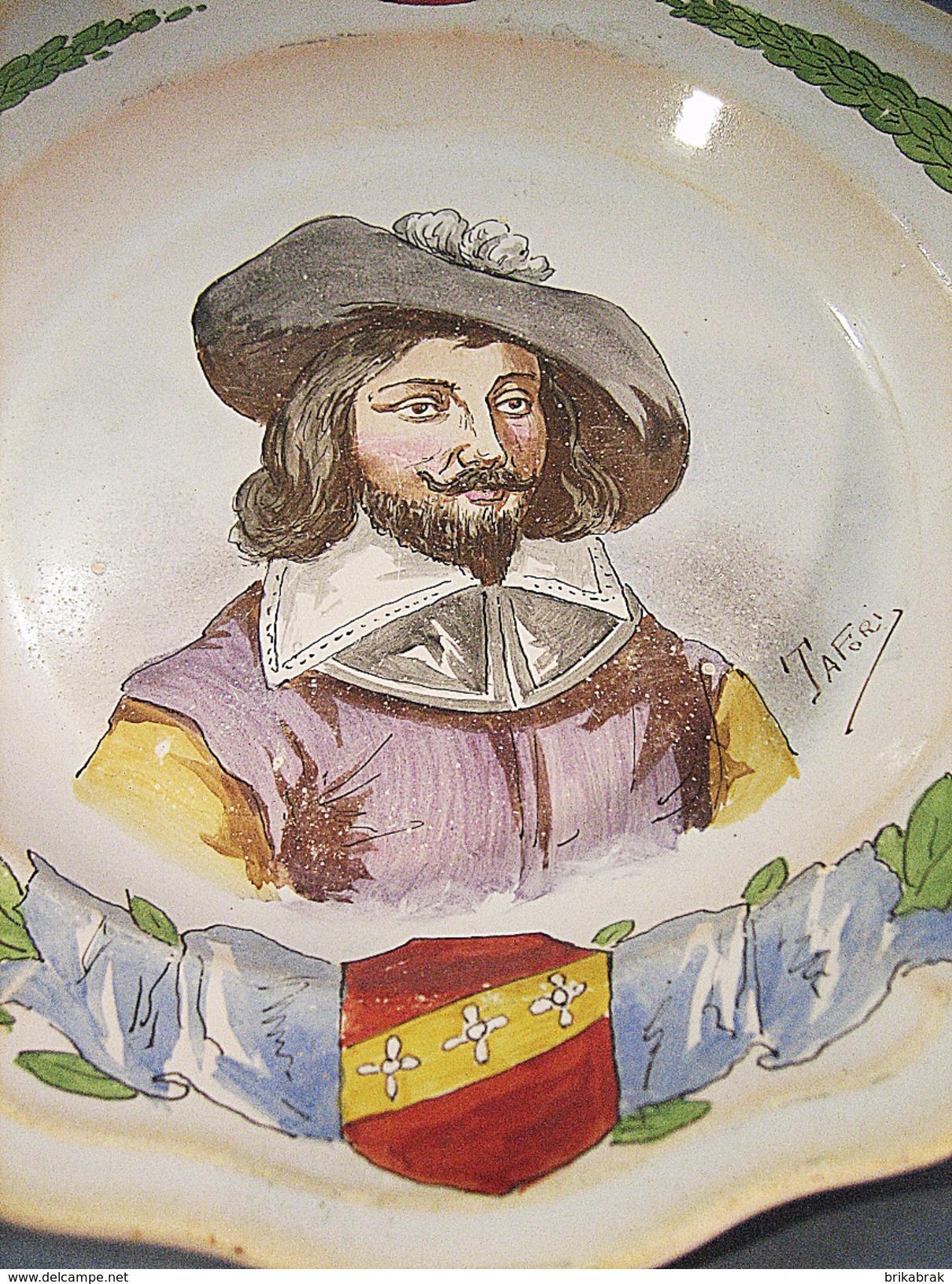 *ASSIETTE FAIENCERIE NIEDERWILLER DECOR SIGNE TAFORI - Tête Dessin Cuisine - Niderviller (FRA)