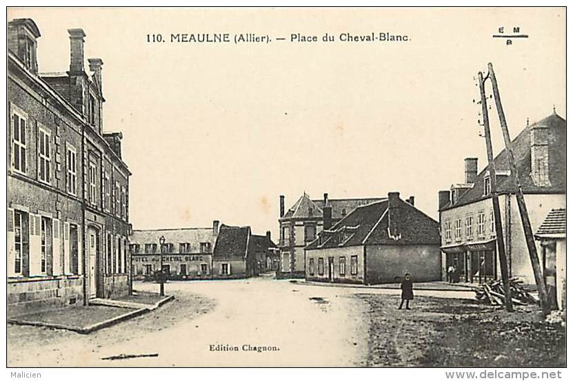 -ref-N164 - Allier - Meaulne - Place Du Cheval Blanc - Petit Plan Hotel - Magasin Tailleur- Magasins - Hotels - - Frankrijk