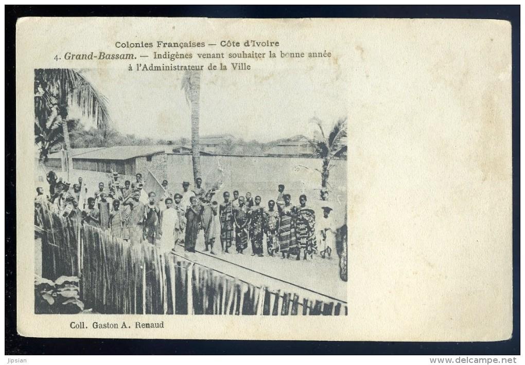 Cpa Cote D' Ivoire -- Grand Bassam -- Indigènes Venant Souhaiter La Bonne Année à L' Administrateur De La Ville   JIP54 - Côte-d'Ivoire