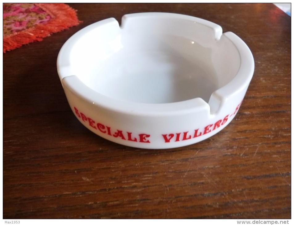 CENDRIER -   SPECIALE VILLERS ST-GHISLAIN  -   Blanc, Rond: Diamètre:14,5 Cm , Ht: 4 Cm , Céramique - Asbakken