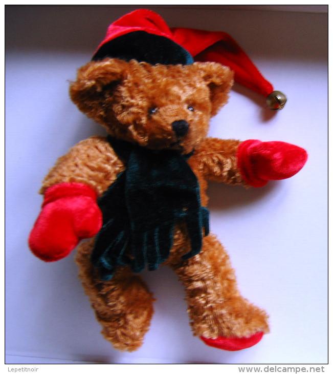 Petit Ours Père Noël Avec écharpe Et Bonnet - Ours