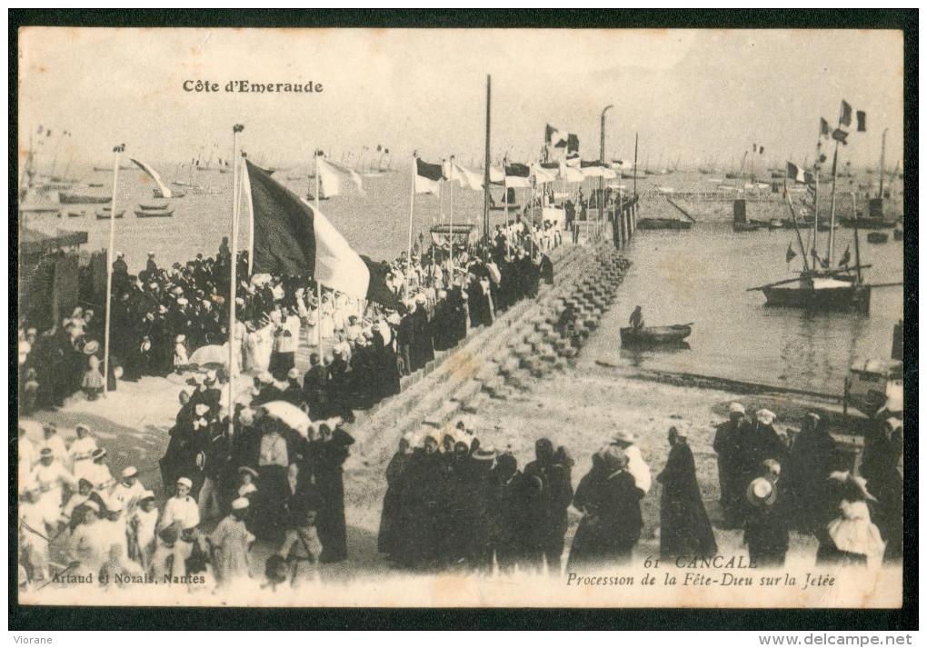 Côte D' Emeraude - Procession De La Fête-Dieu Sur La Jetée - Cancale