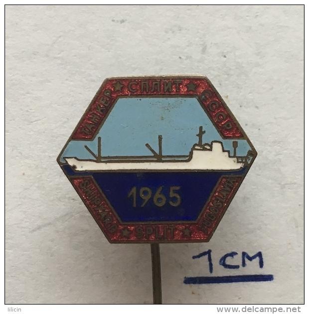 Badge (Pin) ZN003967 - Ship (Schiff / Boat) Shipyard Split Croatia Yugoslavia 1965 - Boats