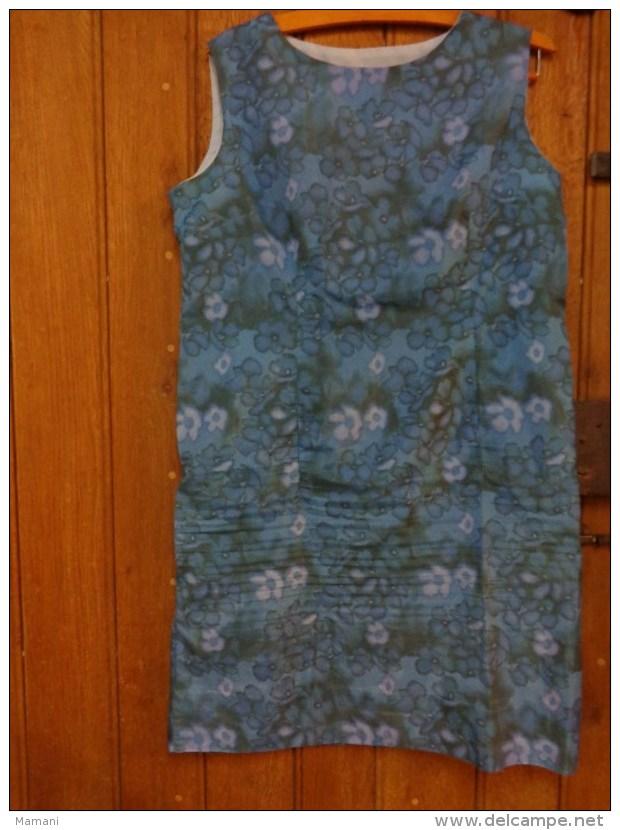 Robe Vintage Tour De Poitrine 104 Haut 90cm Tergal Taille 46 - Vintage Clothes & Linen