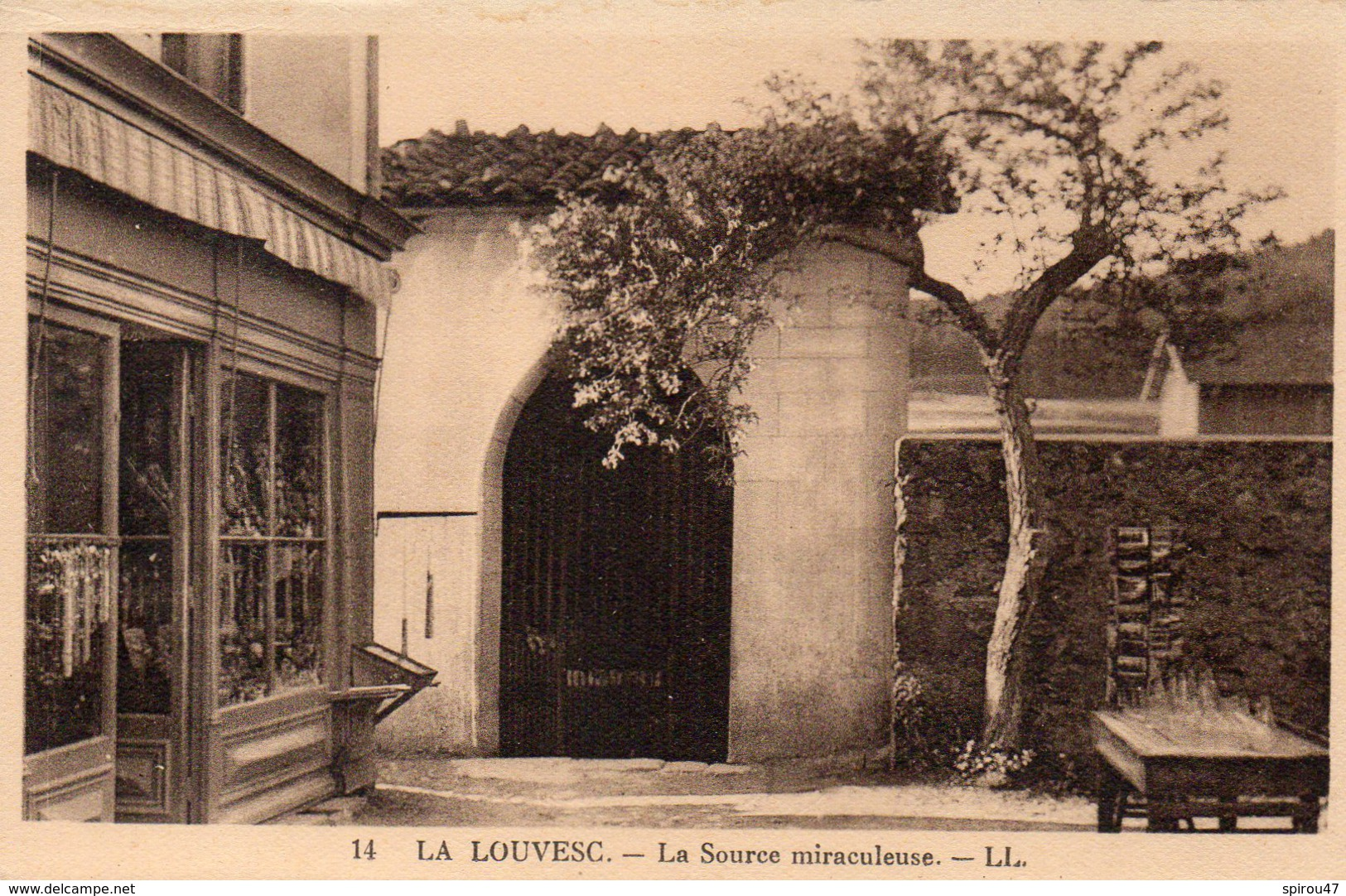 CPA LA LOUVESC - LA SOURCE MIRACULEUSE - La Louvesc