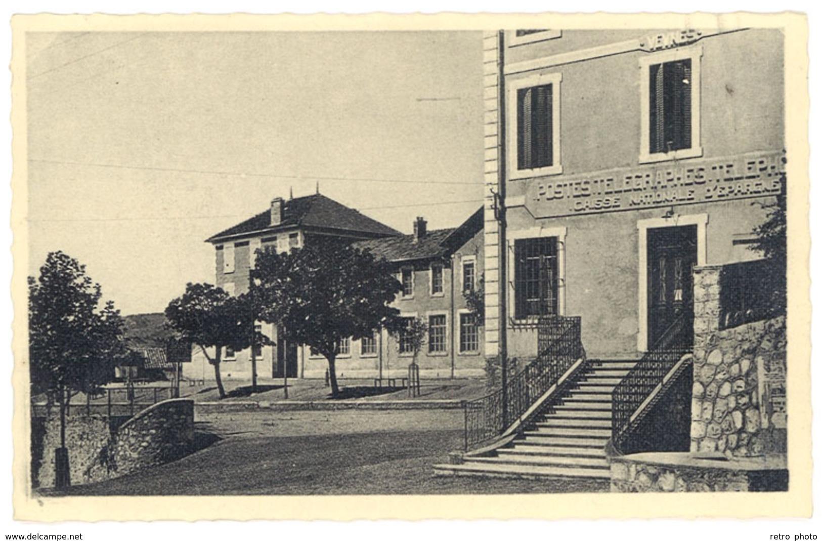 Cpa Veynes - La Poste Et L'école Des Garçons - France