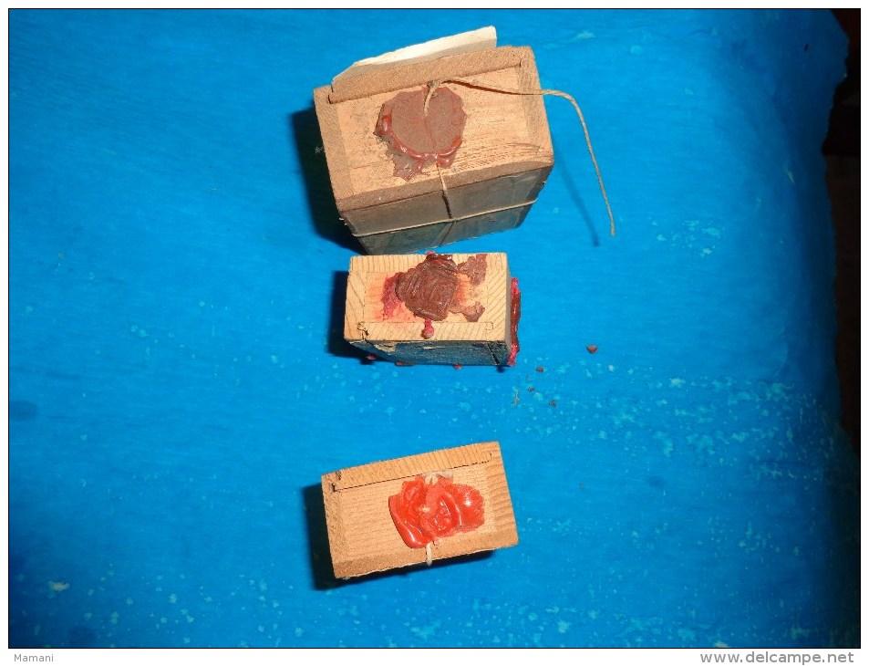 3 Boite D´expedition Bijoutier  Cachets De Cire +ficelle+ Timbre - Autres