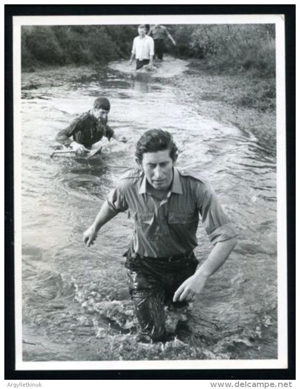 FINE PRESS PHOTO PRINCE CHARLES COMMANDO COURSE ROYAL MARINES DEVON 1974 - Unclassified