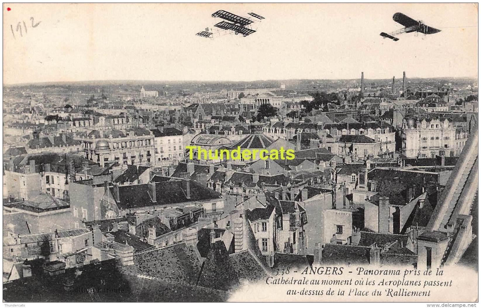 CPA AVIATION  ANGERS PANORAMA PRIS DE LA CATHEDRALE AU MOMENT OU LES AEROPLANES PASSENT AU DESSUS DE LA PLACE RALLIEMENT - ....-1914: Précurseurs