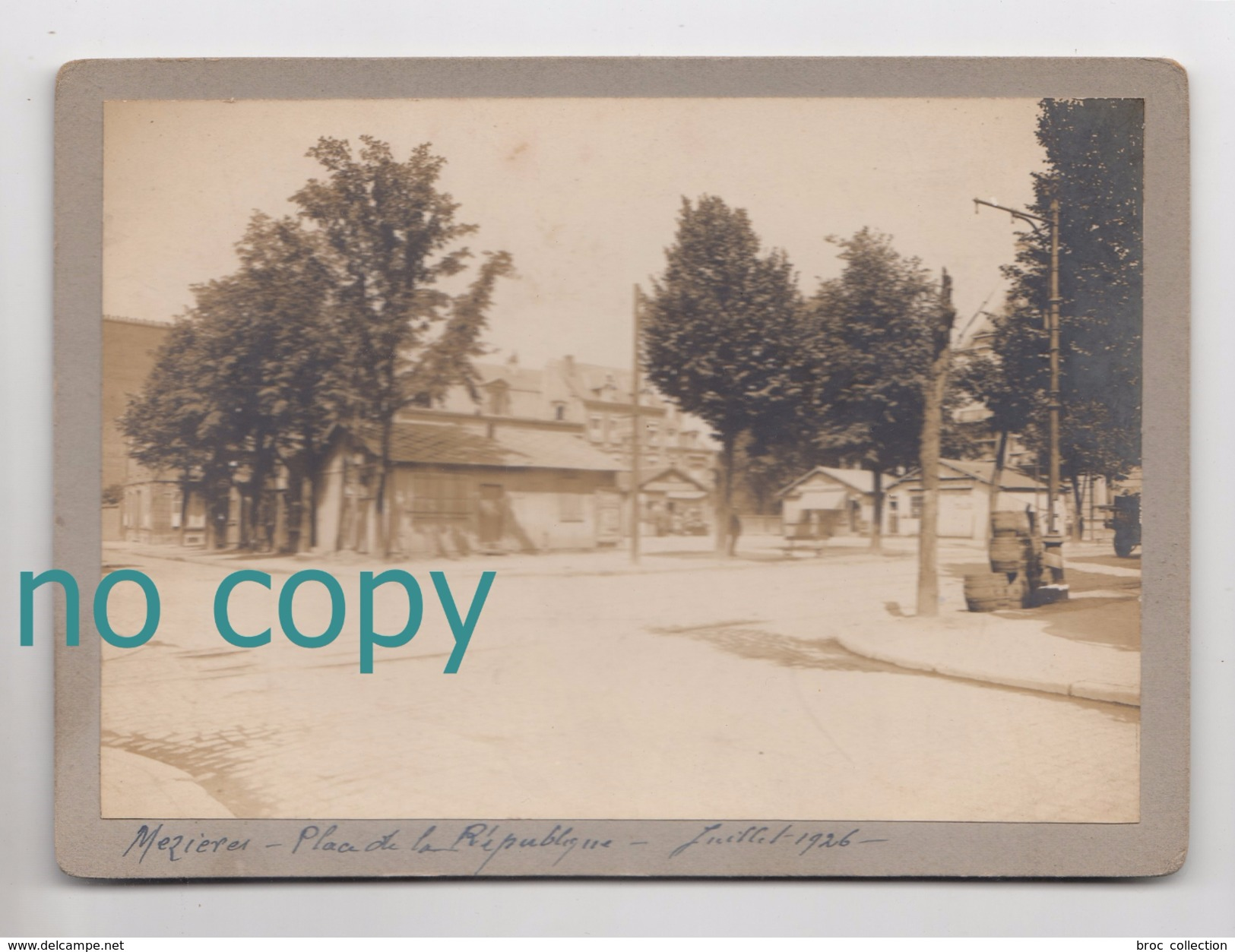 Mézières, 08, Place De La République, Juillet 1926, Photo Sur Carton, 11,4 X 16,5 Cm - Lieux