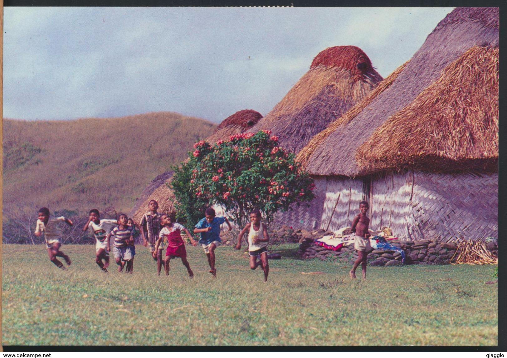 °°° 62 - FIJI - FIJIAN CHILDREN - 1995 With Stamps °°° - Figi