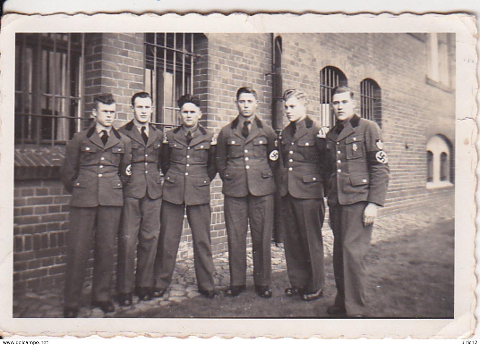 Foto Deutsche Soldaten Reichsarbeitsdienst RAD - Ca. 1940 -  8*5cm (26184) - Krieg, Militär