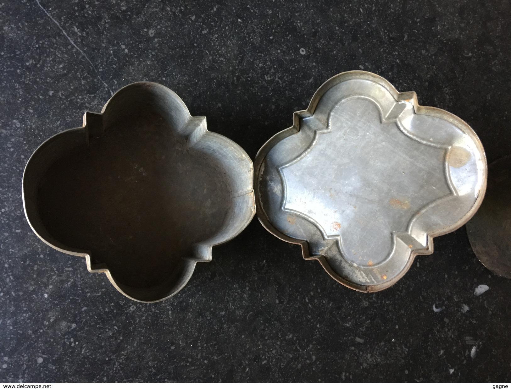 16WW Boîte à Biscuits Anglais Manufacture Huntley & Palmers Décor Conquête Ouest Cowboy Mexique - Autres Collections