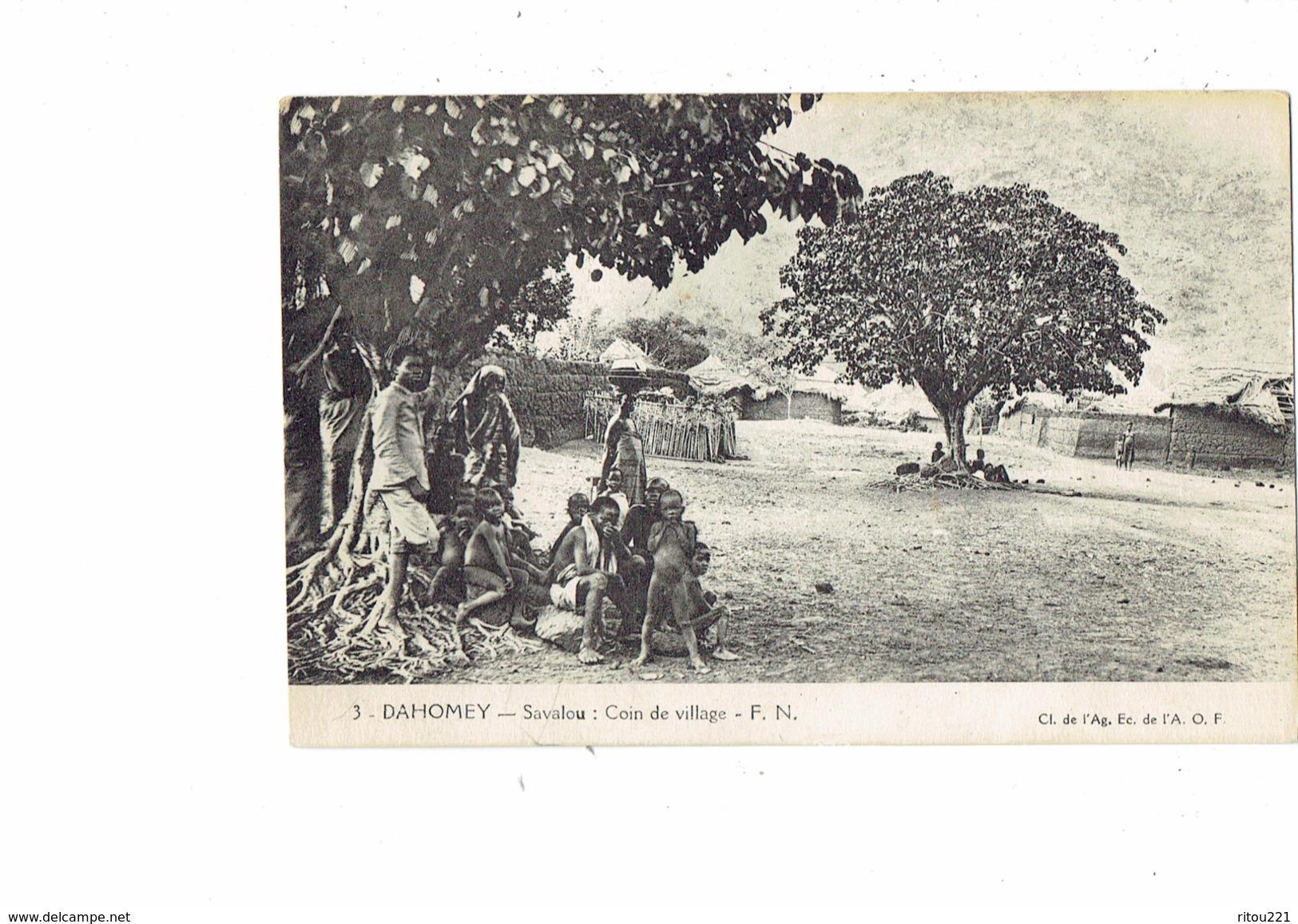 Cpa - Afrique - Dahomey - SAVALOU - Coin Du Village - F.N. N°3 A.O.F. - Arbre Garçon Nu Enfants - Dahomey